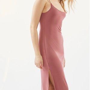 NWT UO side slit slip dress,size L